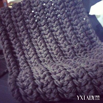 鱼骨针围巾的织法 寒冷的冬天教你织好看的围巾