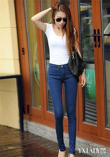 女生穿牛仔裤_【图】时尚女生穿紧身牛仔裤示范搭配 show出你的大长腿(3)_女生 ...