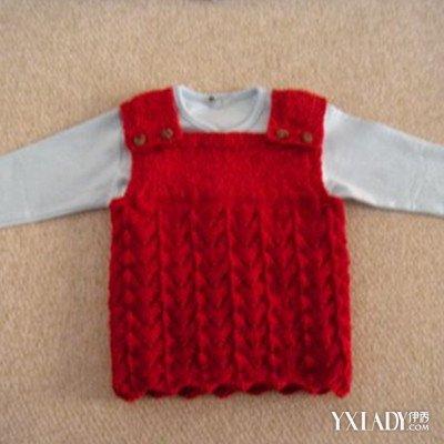 单品搭配 / 正文  毛线编织女童裙子 这是一款从上往下织的连衣裙.