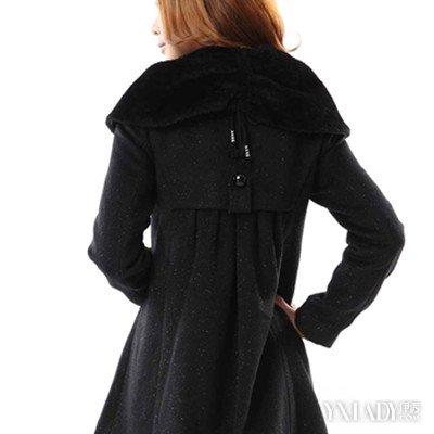 黑色斗篷外套怎么搭配好看呢 教你冬日斗篷穿搭
