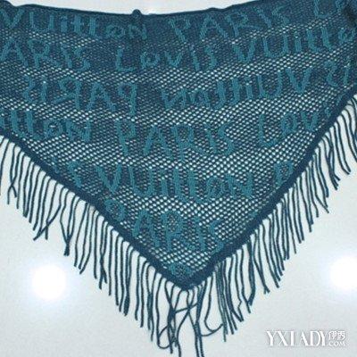 【图】三角围巾的系法图解展示 教你四款围巾系法