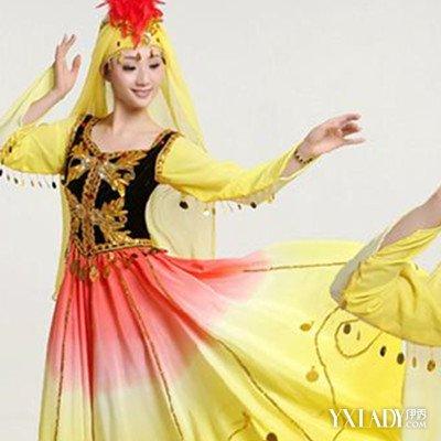 花纹,主要在合领衬衣的领口,胸前,袖口等绣花,表现了维吾尔族浓郁的