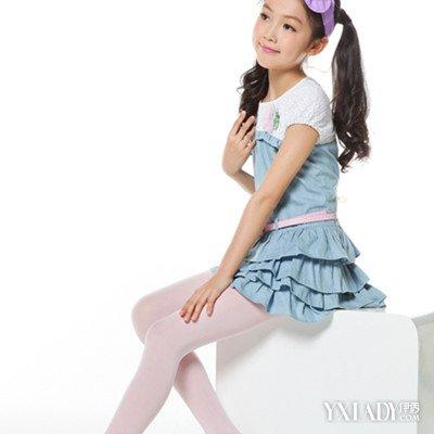 【图】小女孩裤袜穿衣搭配图片欣赏 女性连裤袜的穿着