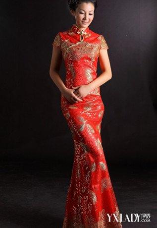 在婚礼上,与中式礼服相配的发型必然是盘头