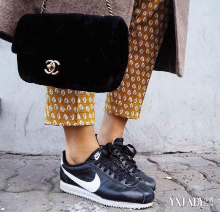 【图】青春穿运动鞋搭配够潮舒适女生显自然双子座女生的优点图片
