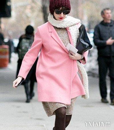 粉红色大衣如何搭配_【图】粉色呢子大衣怎么搭配围巾 4款时尚穿搭穿出你的轻松美腻