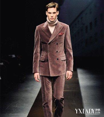 4、发型的搭配.除了西装、大衣要搭配好之外,男士的发型也很重图片