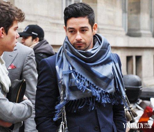 【图】大方巾的系法图解男士应该知道 6种系法突现个人魅力