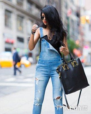 背带长裤牛仔裤女学生图片欣赏 女生背带裤搭配大全