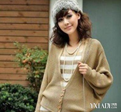 【图】揭短款蝙蝠衫毛衣搭配 胖女生穿衣推荐