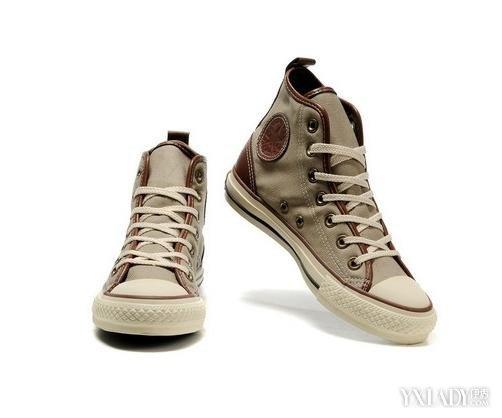 饰品配饰 鞋子 / 正文  一款包包,一个项链,一块手表甚至是鞋带的系法