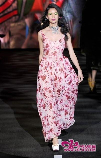 【波西米亚长裙】波西米亚风格搭配引领夏季狂想曲
