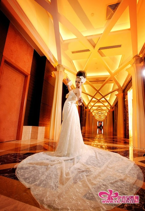 结婚的衣服照风格