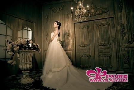 欧式结婚的衣服照风格