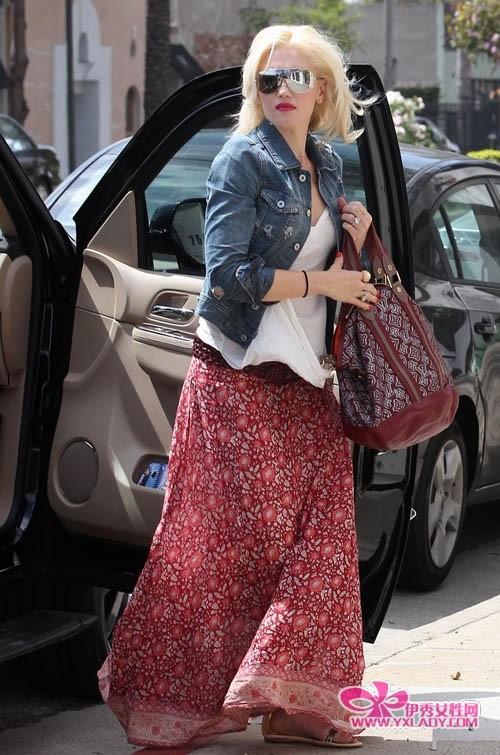 夏季长裙搭配 欧美明星服饰街拍