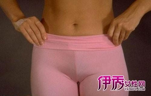 【图】抓拍各类紧身裤美女尴尬凸露下部现深沟丑态
