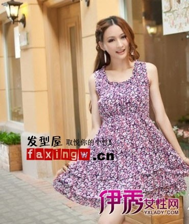 女生 刘海/对于圆脸女生在选择长发发型时的最好是中分设计,这样可以拉长...