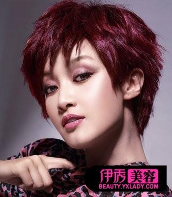 蘑菇头短发发型图片 引领时尚风