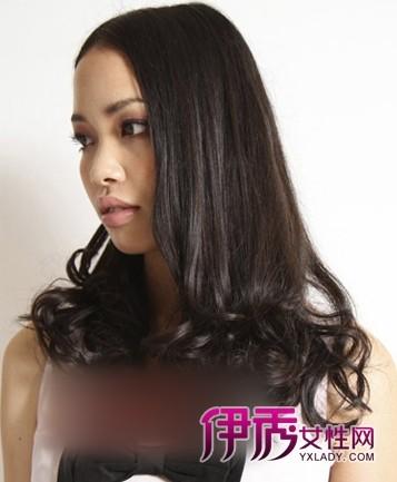 梨花 长发/只将中长发发尾烫成浪漫的卷发也是梨花头发型设计的一种,上部...