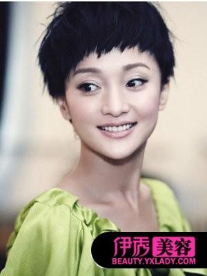 蘑菇头短发发型大图