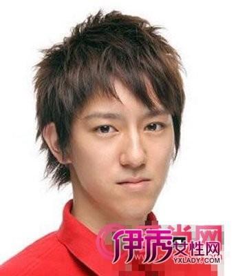 帅气型男短碎发发型 个性地现于发丝