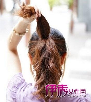非主流学生发型扎法(2)图片