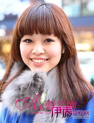 刘海/有层次感的直发梨花头是日系流行发型,上层齐刘海与短发束修饰...
