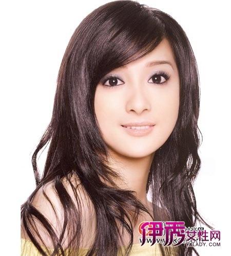 女生方脸发型设计 简单微卷长发