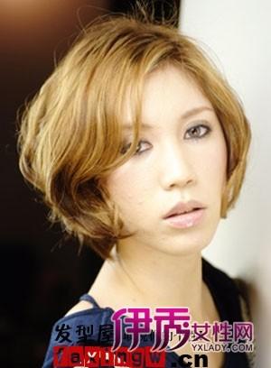 八款流行的女士中短卷发发型图片(2)_流行发型