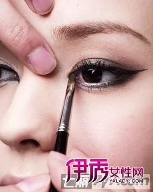 眼部化妆技巧 超详图解如何画眼线图片