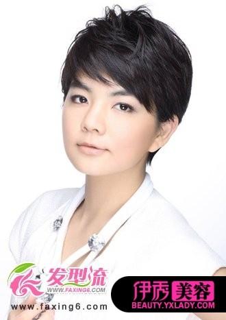 参差不齐的刘海发型设计很好修饰了方脸,层次分明的发丝纹理清新,发丝图片