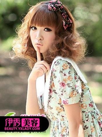 大热齐刘海发型 时尚可爱显气质