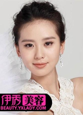 盘发新娘发型提升新娘端庄高雅的女人气质图片