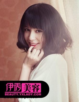 齐刘海短发发型图片-全新修颜短发发型 简约最时尚图片