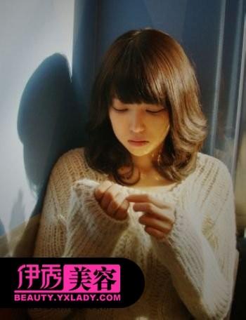 短发发型图片 齐刘海短发发型-时尚女生短发 百变时尚闪亮过冬图片