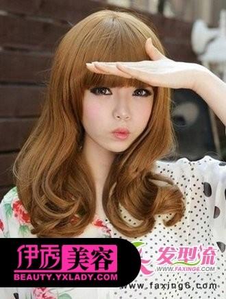 中长发卷发发型-最新女生卷发发型图片 减龄卷发打造甜美女孩图片