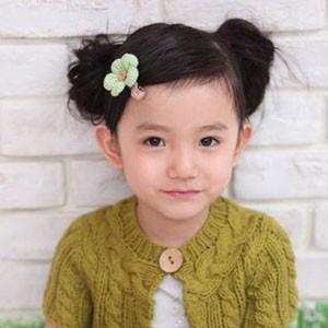 漂亮小女孩可爱发型扎法步骤