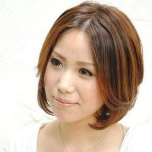 中年短发烫发发型图片