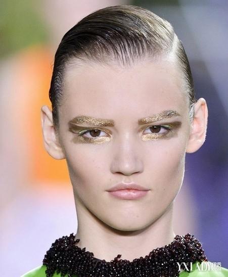 美容 彩妆 潮流彩妆 / 正文  从画出来的连心眉到羽毛制成的羽翼眉妆