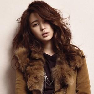 2014最流行女生中长发烫发发型图片图片