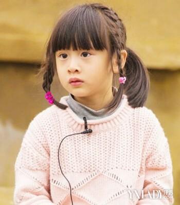 田雨 发型 刘海/小萝莉最爱的发型还是齐刘海,后面扎一个高马尾,绑上彩色的...