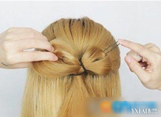 【图】蝴蝶结时尚发型扎法图解 打造欧美小公主图片