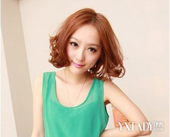 女生中短卷发-女性中短发发型图片 打造时尚甜美新魅力图片