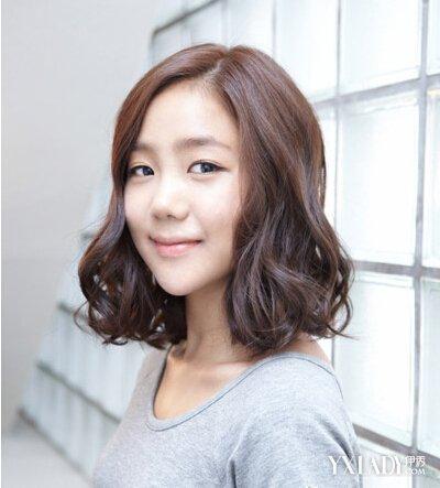 韩式短发烫发发型图片 甜美通勤的短发造型图片