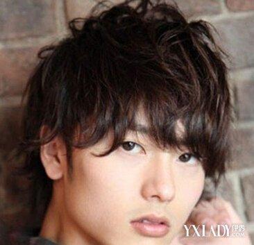 新韩国男士发型 爱烟花烫发型塑时尚潮男范图片
