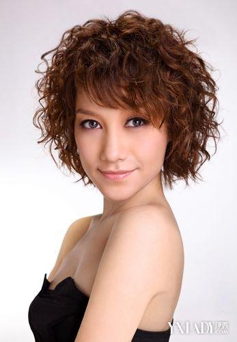 【图】新短发烫发发型 好看的女士短发烫发发型图片图片