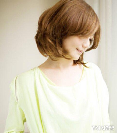 女生清纯短发烫发发型 女士短发型设计图片图片