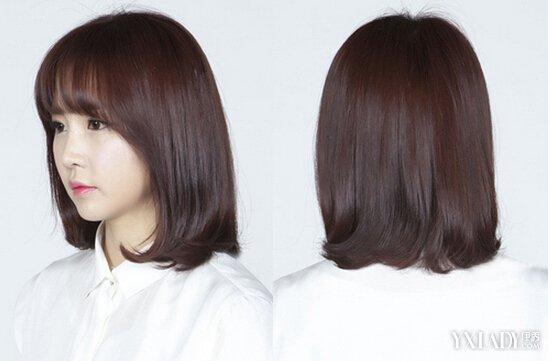 发型 流行发型 正文  这款及肩发型非常适合学生妹,发尾微微内扣清新图片