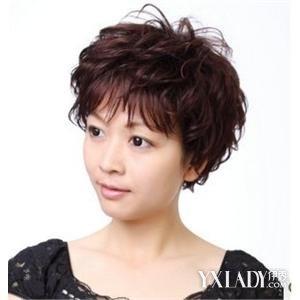 【图】中老年妇女适合什么烫发发型 中老年烫发发型设计图片