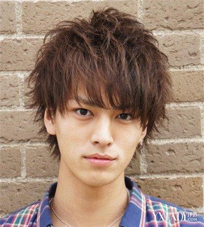 【图】男生烫头男生发型图片大全齐刘海发型2014年张泉灵最新短发图片